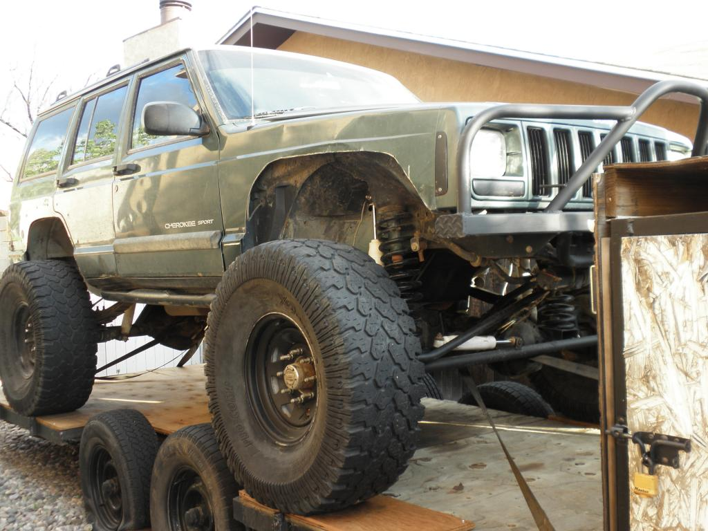 2000 Jeep Cherokee Lifted W 44 S And A Trailer Rock